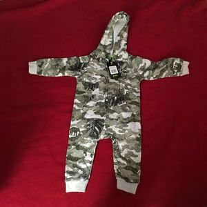Other - NWT Size 12 Months 1 Piece Hoodie boys camo